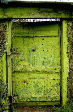 vibrant color with natural textures Abriendo Puertas Les Doors, Windows And Doors, Cool Doors, Unique Doors, Door Knockers, Door Knobs, When One Door Closes, Closed Doors, Doorway