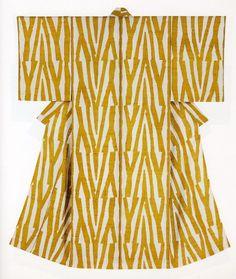 Serizawa Keisuke Japanese Textiles, Japanese Kimono, Traditional Fashion, Traditional Dresses, Style Du Japon, Japan Style, Kimono Design, High Fashion Outfits, Graphic Design Pattern