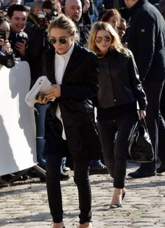 leis-ure: idkchanel: celebstarlets: 3/5/14 - Mary-Kate + Ashley Olsen at the Louis Vuitton F/W 2014-2015 Fashion Show in Paris. . more here :)