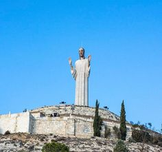 """Cristo del Otero o Monumento al Sagrado Corazón de Jesús #Palencia #cyl #castillayleon #cylesvida 🇪🇸#nikon #travelguidespain #travelphoto #travelblog #instatravel #traveltheworld #travelgram #igtravel #ok_europe #living_europe #ig_europe #europe_vacations #visitspain #ig_spain #loves_spain #destinationed #kings_villages  #dailywonderpics #bestcitybreaks #travelanddestinations #living_destinations #tour #igworldclub #ig_worldclub"" by (travelgspain). ig_spain #cyl #living_destinations…"