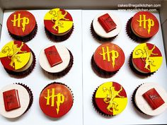Harry Potter Cupcakes | Gryffindor Cupcakes | Cakes by The Regali Kitchen