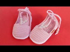 Crochet Lovely Baby Girl Sandals - We Love Crochet Baby Girl Sandals, Crochet Baby Sandals, Crochet Shoes, Girls Sandals, Baby Girl Shoes, Love Crochet, Crochet Slipper Boots, Crochet Slippers, Baby Flip Flops