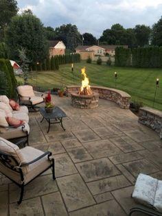 uncategorized 80 Amazing Backyard Patio Seating Area Ideas for Summer - Decoradeas 80 Amazing Backya Diy Concrete Patio, Flagstone Patio, Diy Patio, Stamped Concrete, Patio Stone, Patio Wall, Budget Patio, Wood Patio, Concrete Wall