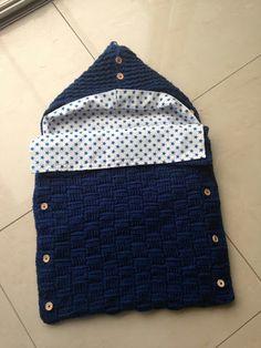Knitting baby sleeping bag models KNITTING MODELS If you make the garments you produce for Crochet Baby Cocoon, Crochet Bebe, Newborn Crochet, Baby Newborn, Knitted Baby Blankets, Baby Blanket Crochet, Baby Knitting Patterns, Baby Patterns, Cocoon Bebe