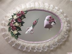 How to Decorate an Engagement Tray? Engagement Tray Ideas - Harny - Home Decor Wedding Crafts, Wedding Favours, Engagement Decorations, Wedding Decorations, Engagement Ideas, Persian Wedding, Flower Girl Basket, Gift Hampers, Ribbon Work