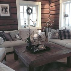 Do you all want a really good little Christmas Eve ⭐️🌟⭐️🎅 # interior … – Hazir Site New Homes, Log Cabin Living, Decor, Living Room, Interior Decorating, Home, Interior, Home Decor, Cozy Place