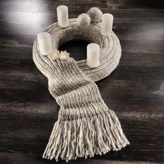 Modell 810/1, Adventskranz aus Grande « Weihnachtsdeko « Stricken & Häkeln « Weihnachtsmarkt 2013 im Junghans-Wolle Creativ-Shop kaufen