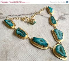 This listing is for Green Geode Druzy Necklace/Gold Agate Necklace/Statement Necklace/Natural Gemstone Bib Necklace Product Type: Gemstone Statement
