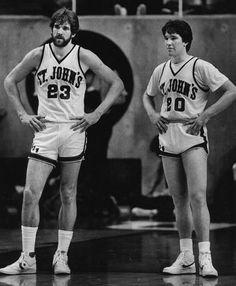Bill Wennington & Chris Mullin in college Detroit Basketball, Basketball Jones, Basketball History, Basketball Pictures, Basketball Legends, Football And Basketball, Sports Pictures, College Basketball, Basketball Players