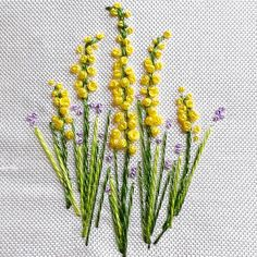 silk ribbon embroidery how to Hand Embroidery Design Patterns, Hand Embroidery Tutorial, Embroidery Flowers Pattern, Hand Embroidery Stitches, Embroidery Techniques, Embroidered Flowers, Flower Patterns, Handkerchief Embroidery, French Knot Embroidery
