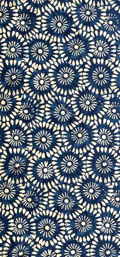 Indonesian batiks fabric that we absolutely love. Beautiful color and design