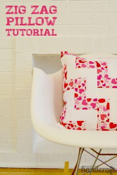 How to sew a Zig Zag Pillow #sewing Tutorial - by Modern Handcraft, for the Sewing Rabbit