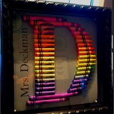"Letter ""D"" monogram crayon teacher gift Crayon Monogram, Crayon Letter, Crayon Art, Art Classroom, Classroom Ideas, Homemade Gifts, Diy Gifts, Preschool Crafts, Crafts For Kids"
