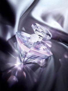 Lancme La Nuit Tresor Musc Diamant Eau de Parfum 50 mlAs the night ends the first morning of nigh Hermes Perfume, Antique Perfume Bottles, Perfume Oils, Perfume Fantasy, Discount Cosmetics, Celebrity Perfume, Packing Light, Lancome, Shades Of Purple
