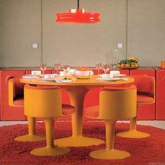 Verner Panton, fiberglass dining table and chairs. Secret Design Studio knows mid century modern architecture. Vintage Interior Design, Vintage Interiors, Vintage Design, Retro Design, Modern Interior, 1970s Decor, 70s Home Decor, Vintage Room, Vintage Decor