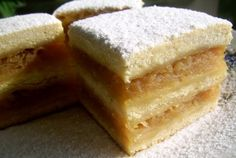 Cool Prajitura frageda cu mere – Tender Cake with Apples (Romanian recipe) The post Prajitura frageda cu mere – Tender Cake with Apples (Romanian recipe)… appeared first on Amas Recipes . Dessert Cake Recipes, Dessert Dishes, Köstliche Desserts, Delicious Desserts, Yummy Food, Lithuanian Recipes, Sicilian Recipes, Romanian Desserts, Romanian Recipes