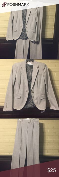Worthington Stretch Pant Suit Worthington Stretch Pant Suit. Excellent condition fully lined jacket, unlined pants. Worthington Jackets & Coats Blazers