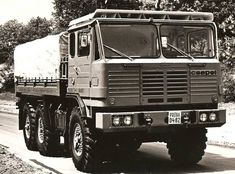 Off Roaders, Bus Coach, Army Vehicles, Diesel Engine, Old Trucks, Eastern Europe, Cars And Motorcycles, Offroad, Tractors