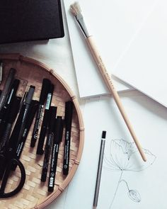 A r t / workspace love Pencil Art, Pencil Drawings, Most Beautiful Pictures, Cool Pictures, Paint Brushes, Love Art, New Experience, Filter, Bamboo