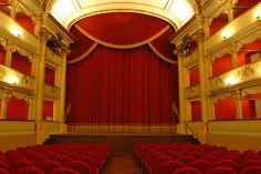 Il teatro a metà prezzo