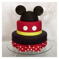 mickey cake and minnie2 (I might need this one!)