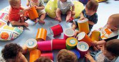 O ano passado foi assim ... A Sala da Mariana ofereceu estas latas ao Berçário. O ano passado não houve bebé que não gostasse de brincar co...
