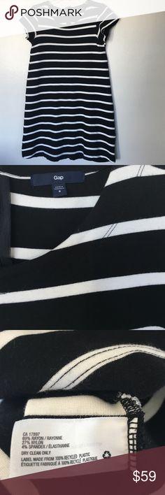 Gap Dress Size 8 Excellent condition 😍 No trade 🚫 No model 💃🏻 GAP Dresses