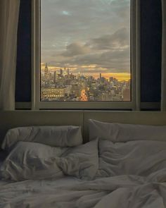 New York Life, Nyc Life, City Life, City Aesthetic, Aesthetic Bedroom, Dream Apartment, Apartment View, Concrete Jungle, Dream Rooms