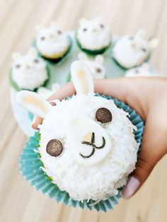 Musings of an Average Mom: llama birthday printables Cupcake Party, Party Cakes, Cupcake Cakes, Cactus Cake, Cupcake Tutorial, Llama Birthday, Cute Cupcakes, Bunny Cupcakes, Cake Art