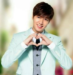 Lee Min Ho doing heart So Ji Sub, Korean Star, Korean Men, New Actors, Actors & Actresses, Asian Actors, Korean Actors, K Pop, Heo Joon Jae
