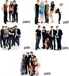 Tvd cast over the years Bonnie And Jeremy, Damon And Bonnie, Kol And Davina, Stefan And Caroline, Vampire Diaries The Originals, Ian Somerhalder, Delena, Favorite Tv Shows, Make Me Smile