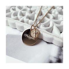 Collier médaillon à graver et pendentif amour - Jolie Demoiselle - Bijoux  femme 70231cecb2d2