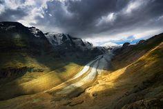 Austrian Alps by Jakub Polomski