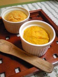 はかりいらず♪もっちもちの体に優しい蒸しパン。 材料 2人分 卵 1個 豆乳 50cc てんさい糖 大さじ3 小麦粉 2/3カップ ベーキングパウダー 小さじ1 茹でカボチャ(冷凍) 2片 人参 3~4cm 作り方 15 … Mashed Potatoes, Pudding, Ethnic Recipes, Desserts, Food, Gastronomia, Whipped Potatoes, Tailgate Desserts, Deserts