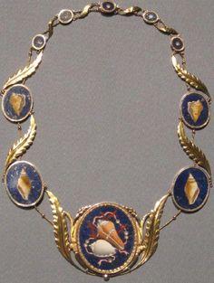 1810 necklace which belonged to Caroline Bonaparte