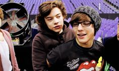 Harry Styles and Louis Tomlinson have always been the perf pair, these harmonies in 'Use Somebody' tho…   Maximum Pop!