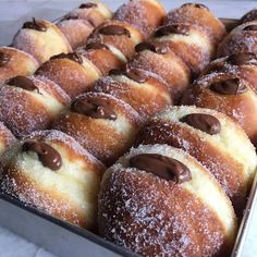 Italian Donuts or Bomboloni 🌰🍫 filled with Nutella. Tag your ❤️ friends. Think Food, I Love Food, Good Food, Yummy Food, Donut Recipes, Snack Recipes, Snacks, Nutella Recipes, Kreative Desserts