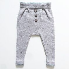 Reader's mini knit. Perfection. || Hun er alt i gang med en ny og det er jammen vi også etter å ha sett dette eksemplaret, @frktinemor. #vielskerguttestrikk Pattern: Baggy trousers, Ministrikk.no