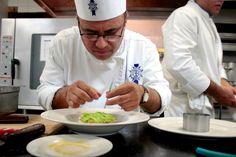 Chef Isaías Cid Neri en acción