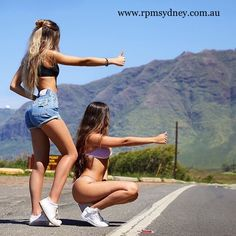 Tag your bff 🥰😍😘 Best Friend Pictures, Bff Pictures, Fashion Pictures, Couples Lesbiens Mignons, Claudia Tihan, Cute Lesbian Couples, Cute Young Girl, Mädchen In Bikinis, Best Friend Goals