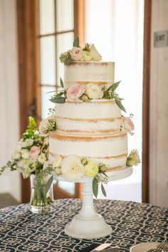 Wedding Cakes and Cupcakes on WeddingWire