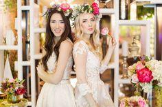 Fabulous Wedding by Floraria Mobila Bouquet Wedding, Dress Wedding, Bride Flowers, Wedding Flowers, Wedding Arrangements, Chefs, Wedding Table, Muse, Diana