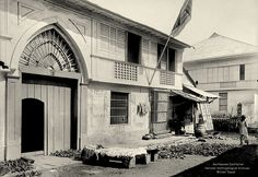 Filipino Architecture, Philippine Architecture, Intramuros, Filipiniana, Baguio, Historical Architecture, Facade House, Vintage Pictures, Manila