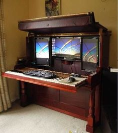 DIY idea - repurpose old piano into computer workstation wish I would have seen this,before we trashed the old piano out of the apartment building. Never mind Kenny would have killed me, if he had to move another Piano. Unique Furniture, Repurposed Furniture, Diy Furniture, Furniture Stores, Reclaimed Furniture, Diy Computer Desk, Computer Case, Computer Workstation, Computer Station