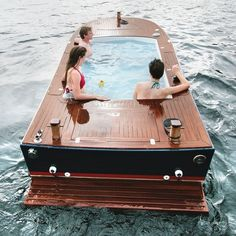 The world's first and only boat to include a pool and hot tub. Hot Tub Boats is working with the Coast Guard to make the safest boat possible and is also waiting on a patent for their design and. - The world's first and only boat to include a pool. Jacuzzi, Hammacher Schlemmer, My Pool, Cool Gadgets, Mens Gadgets, Summer Fun, Summer Picnic, Summer Nights, Summertime