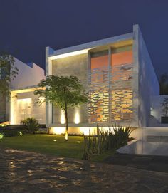 Casa moderna estilo minimalista fachadas pinterest house and architecture for Casa moderna minimalista interior