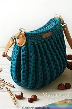 Crochet Handbags, Crochet Purses, Crochet Bags, Crochet Bag Free Pattern, Crochet Patterns, Mode Crochet, Knitted Bags, Knit Bag, Macrame Bag