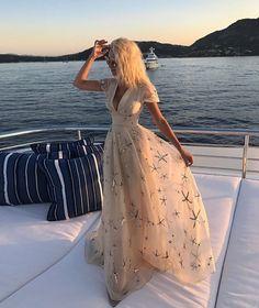 14.4 тыс. отметок «Нравится», 39 комментариев — Loving Haute Couture (@lovinghautecouture) в Instagram: «#Valentino for #Summer 🌟»