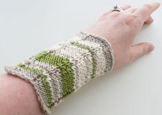 Ravelry: Chevron Cuffs pattern by Erin Black ~FREE Knitting Pattern