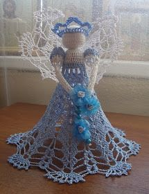 Interesting ideas for decor: Crochet angel some patterns in foreign language some charts Crochet Christmas Ornaments, Christmas Crochet Patterns, Crochet Snowflakes, Christmas Angels, Christmas Crafts, Thread Crochet, Filet Crochet, Crochet Dolls, Crochet Yarn